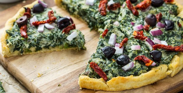 creamed spinach pizza
