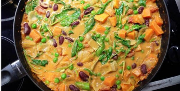 21 VEGAN ONE-POT RECIPES TO COVER 3 WEEKS WORTH OF TASTY PLANT-BASED EATING