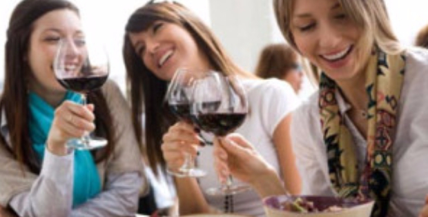 4 Incredible Vegan Eat-Out Strategies To Have More Fun Socializing This Year!