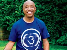 Ageless Vegan Russel Simmons Shares His 24-Hour Diet and Wellness Routine! (Must-See!)
