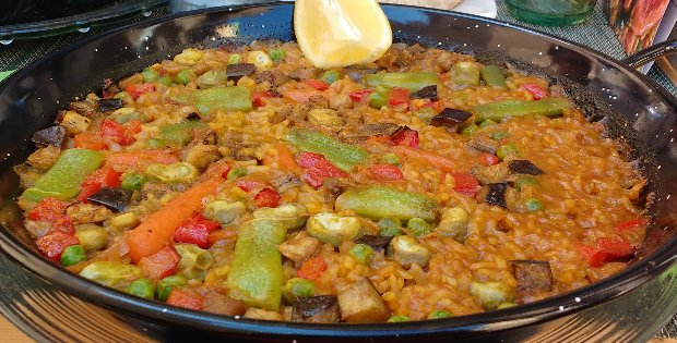 Lick-Your-Fingers Rich Vegan Paella
