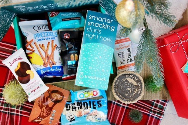 19 BESTEST Vegan Christmas Gifts To Ask Santa For! (Starting From Under $10!)