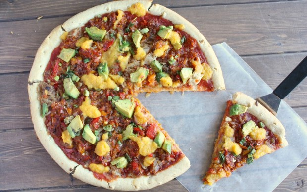 peppers and peaches vegan pizza